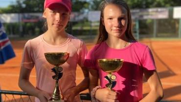 Mihaela Les i Lara Likić finalistice Oršanićevog memorijala do 14.g u parovima